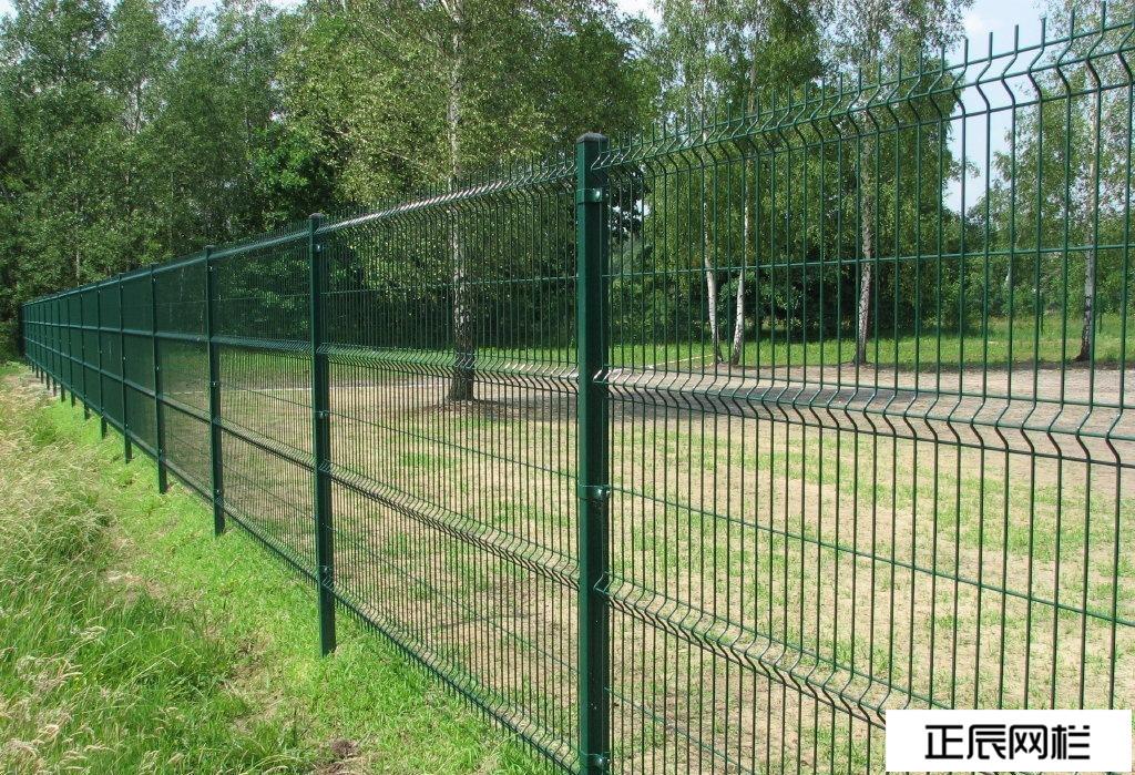 林场围栏选择之方管折弯护栏网