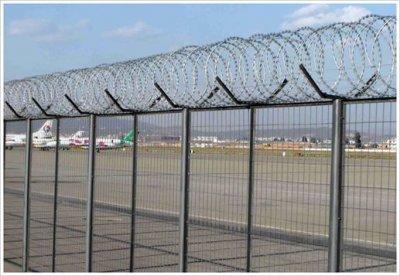 飞机场用什么规格的护栏网最好