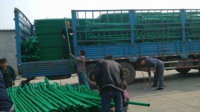 青海冯经理订购的双边护栏网已经发货