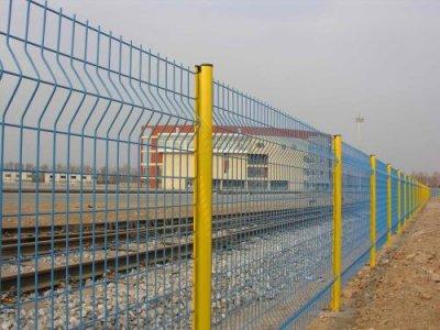 四川铁路护栏网安装案例