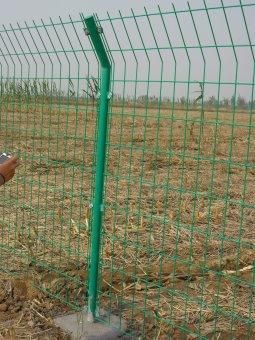 内蒙古双边护栏网工程安装