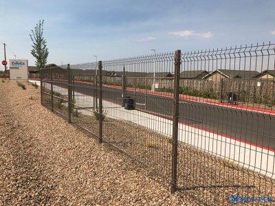 公路隔離柵