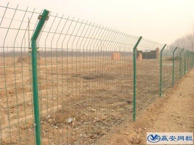 双边丝护栏网的结构和特点