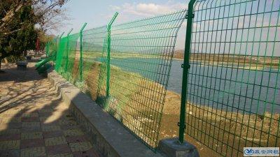 水库专用双边丝护栏网多少钱一米