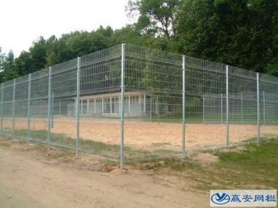 体育场护栏网是体育场所重要的防护措施