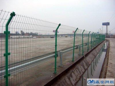 双边护栏网能用作高速公路隔离吗