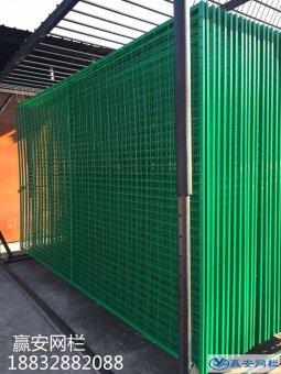 有些护栏网需要镀锌后再浸塑的原因