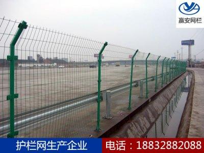 高速公路护栏网的除锈保养细节