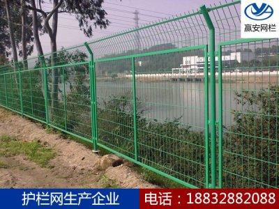 公路护栏网的常用规格与选择详解