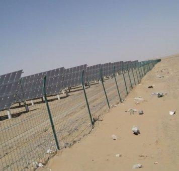 新疆光伏护栏网安装施工案
