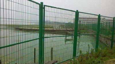 信阳水库池塘护栏网项目案