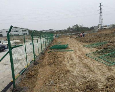 全新光伏电站围栏网安装施工方案详解