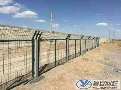 铁路护栏网的规格和用途