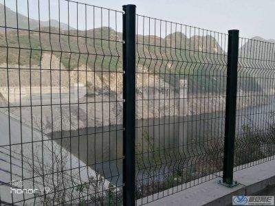 岭南某地施工水库护栏网项