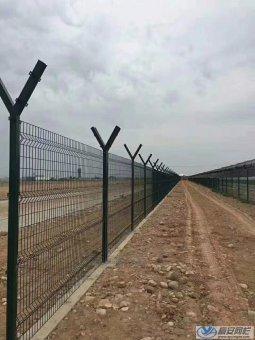 陕西某机场护栏网安装案例