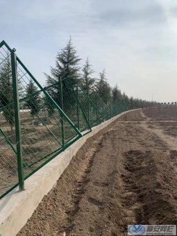 山西场地围栏安装施工案例