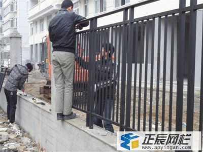 黑龙江双鸭山小区安装锌钢