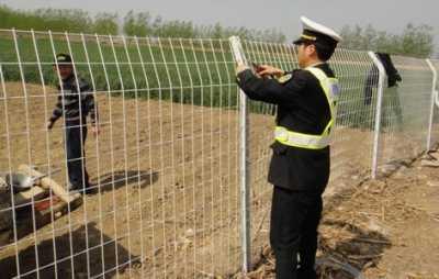 莱州公路护栏网安装好的案