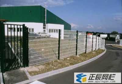 玉林工业园区桃型柱护栏网