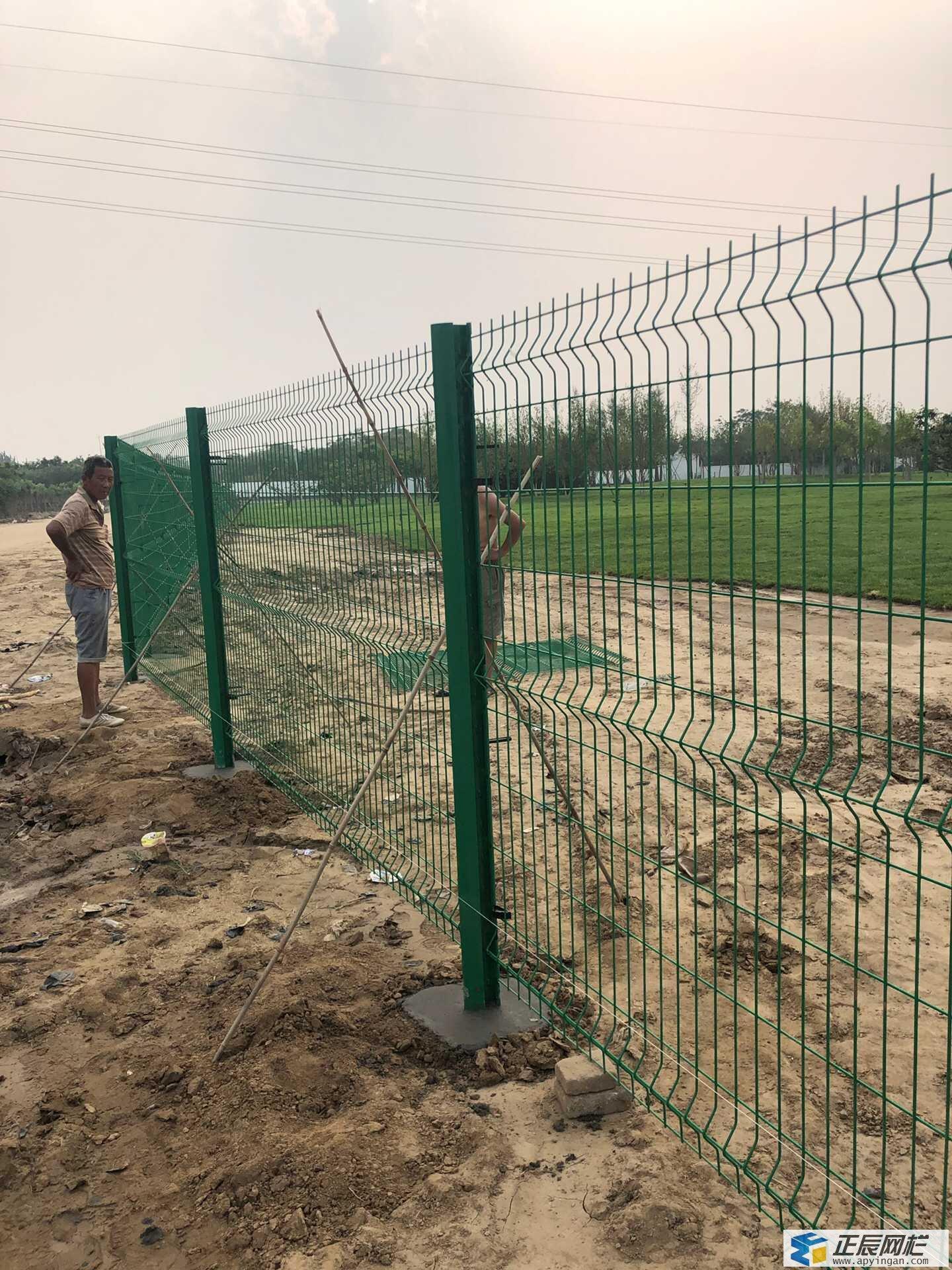 高速护栏网安装