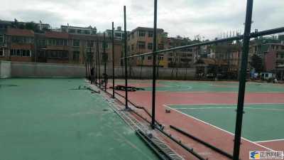 要点的篮球场围网多高