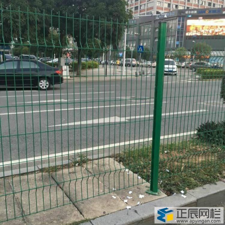 公路护栏网安装明白文