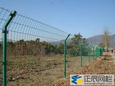 金属铁丝网围栏的施工方法