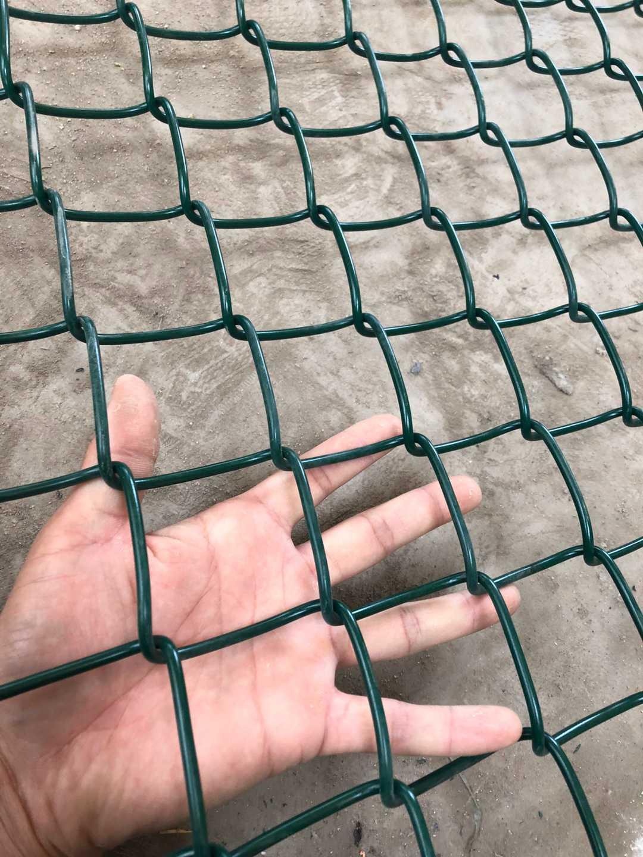 篮球场围网多少钱一个平方