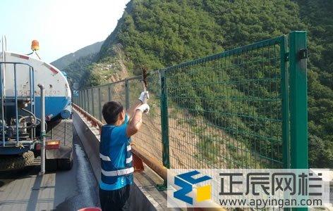 桥梁框架护栏网
